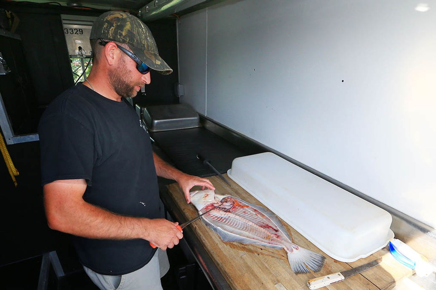 Talking fish-cleaning with Erik Lund