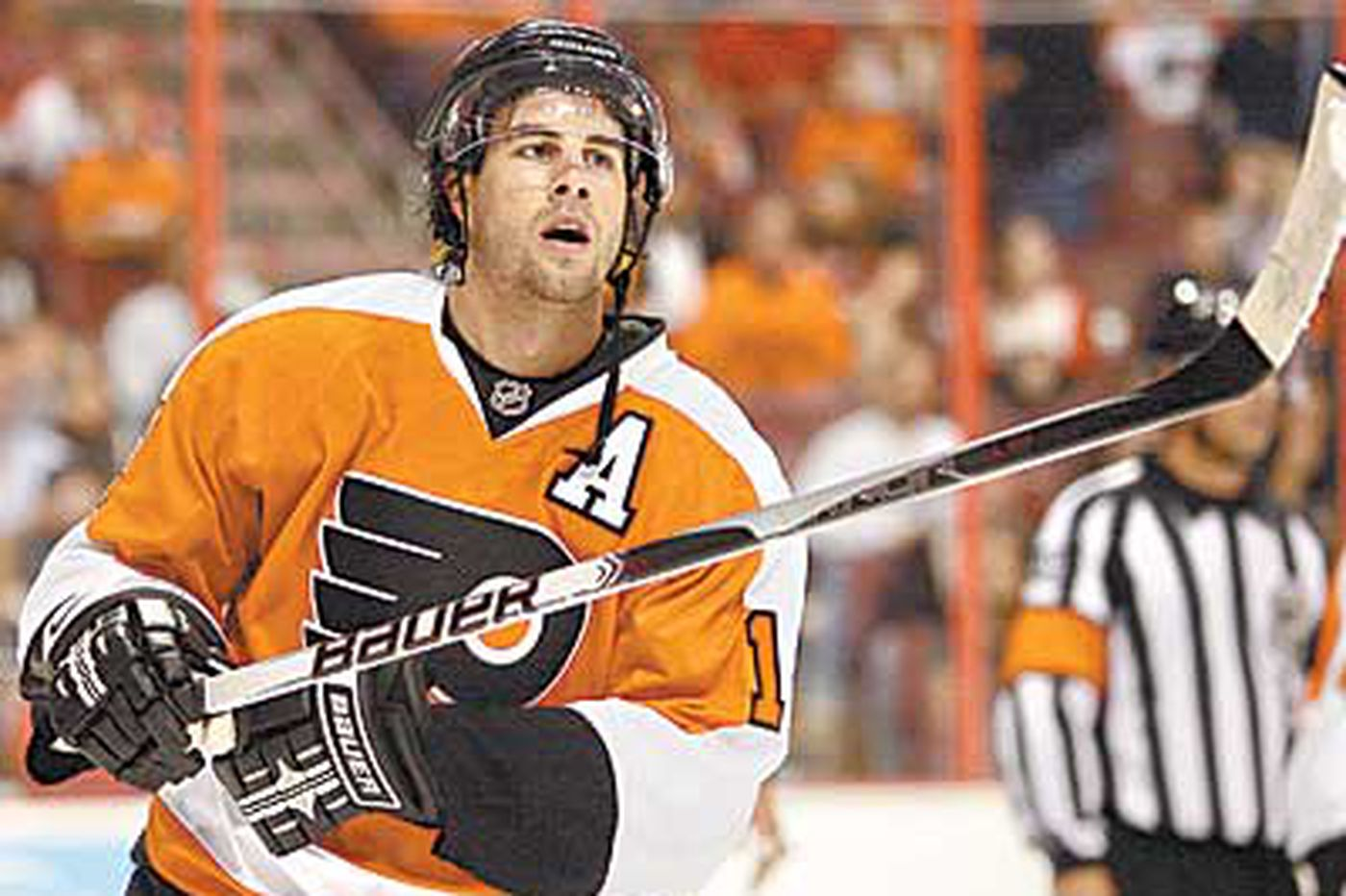 Gagne back for Flyers; missed 24 games after surgery