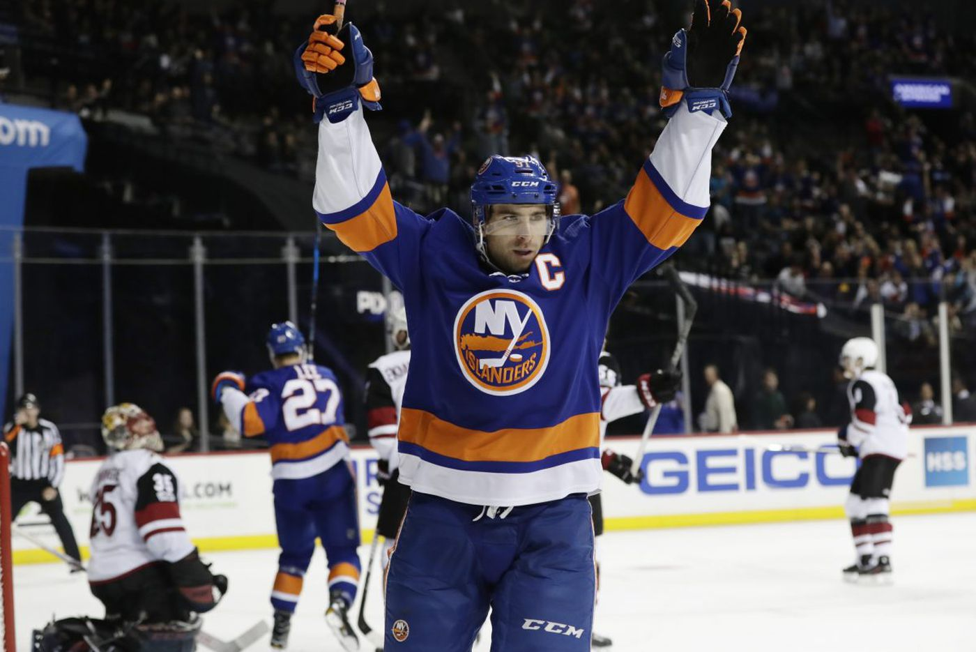 Flyers-Islanders preview: Weary Philly faces red-hot John Tavares