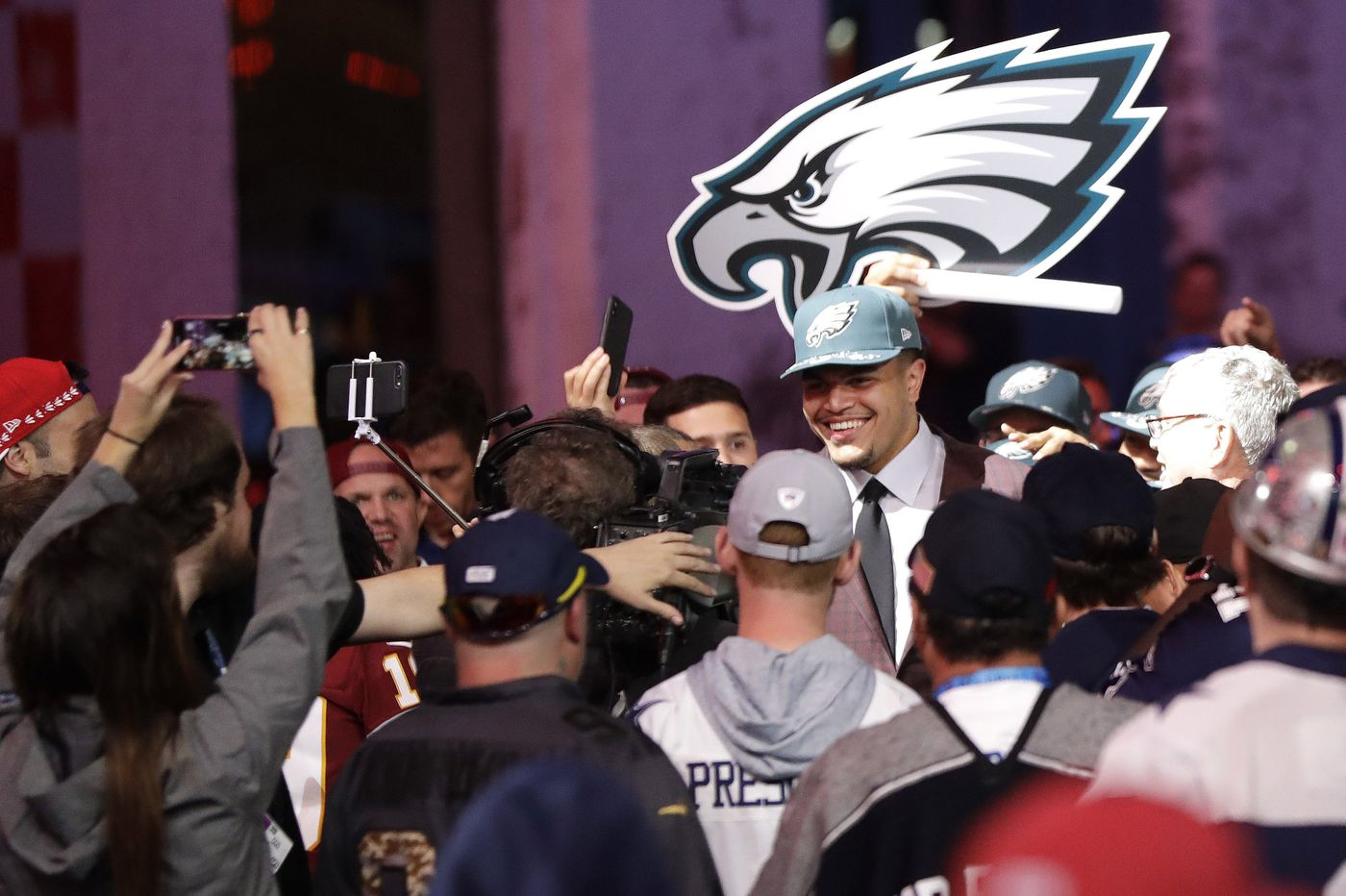 By choosing Andre Dillard, Eagles draft in the trenches but on Carson Wentz's side   Jeff McLane