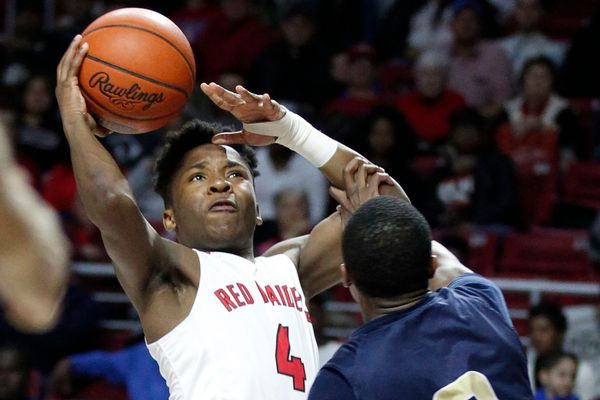 Dapree Bryant's buzzer-beater lifts Coatesville over Unionville in battle of division leaders