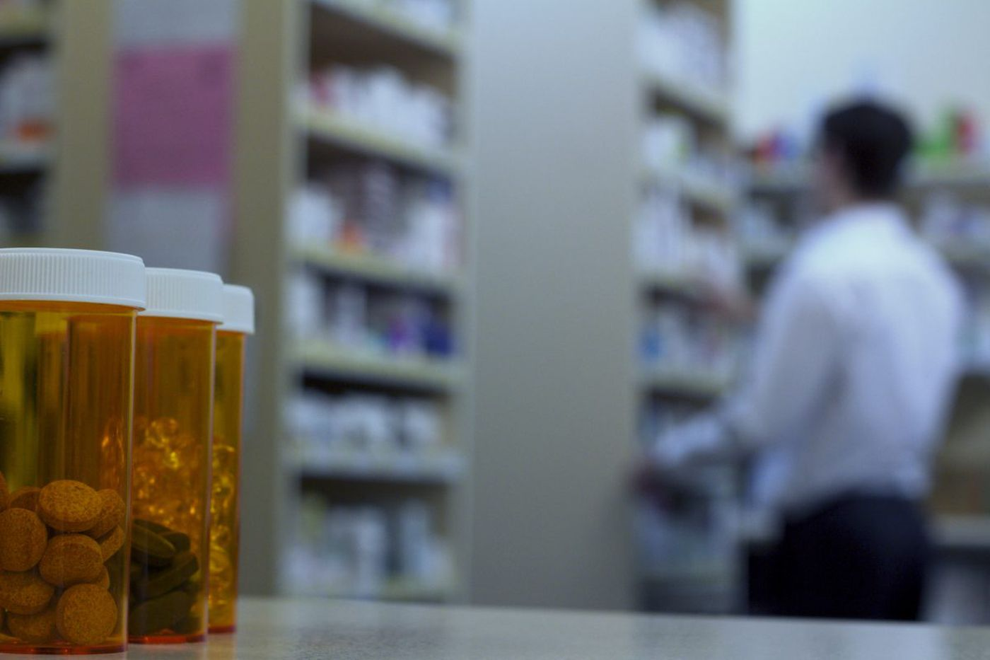Buying drugs from Canada can cost 80 pct. less, and FDA wants to shut it down
