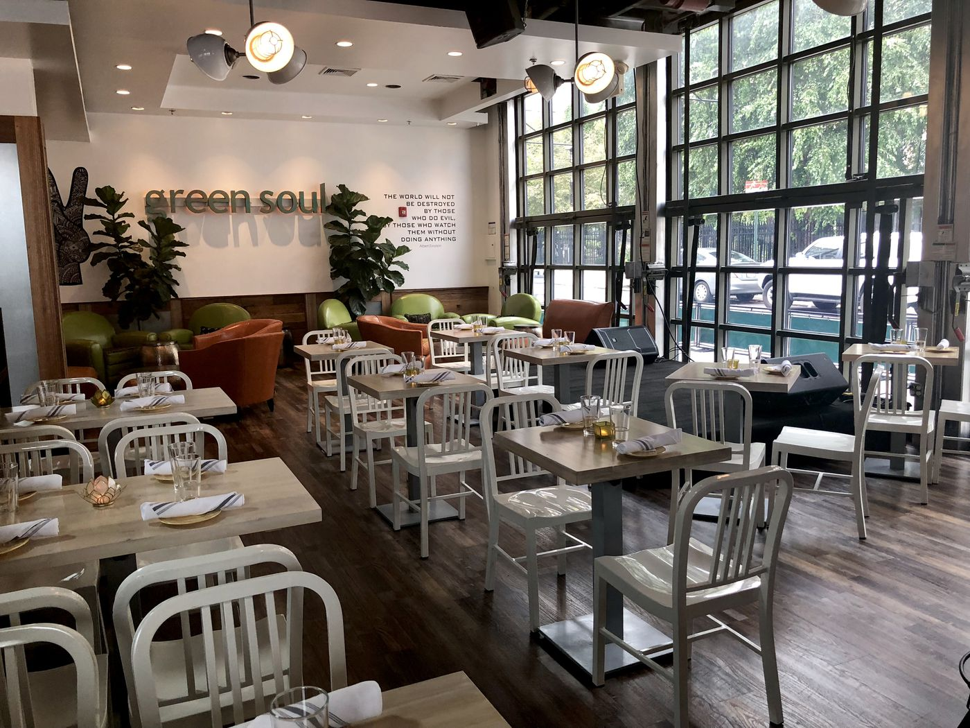 Green Soul Healthy Options And A Bar In Spring Garden