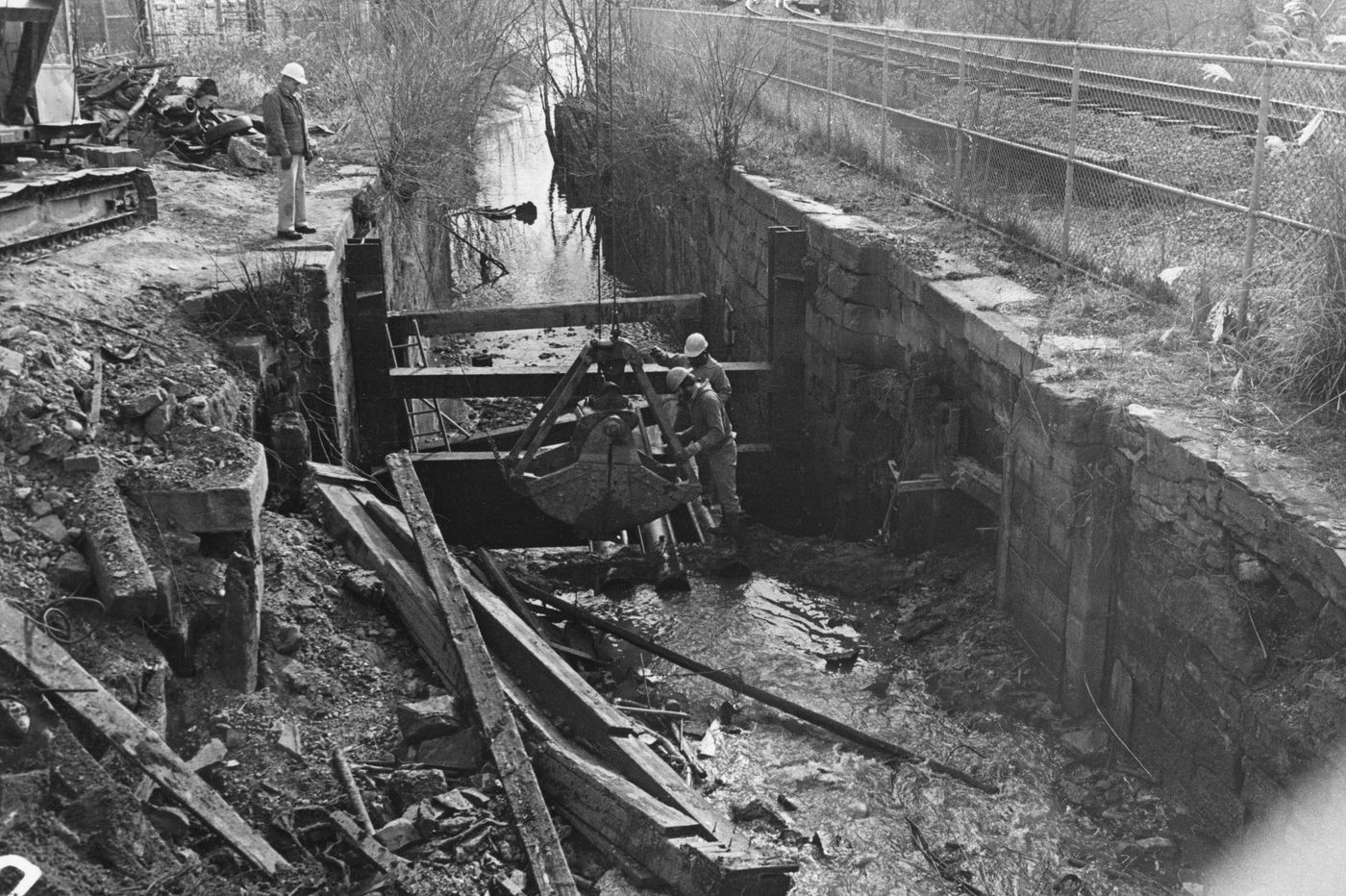 The Manayunk Canal almost became the Manayunk Expressway. Here's how it was saved.