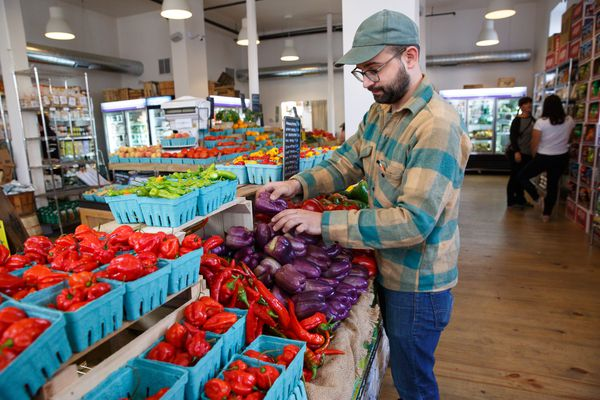 For Earth Day, check out these grocery store initiatives — and customer incentives — for replacing plastics