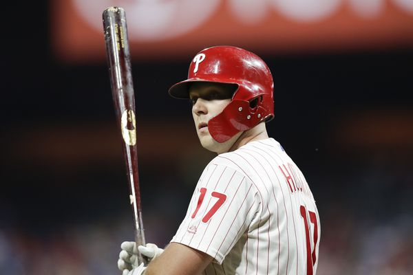 Ryan Howard: Phillies slugger Rhys Hoskins 'out of his element' during brutal second-half slump
