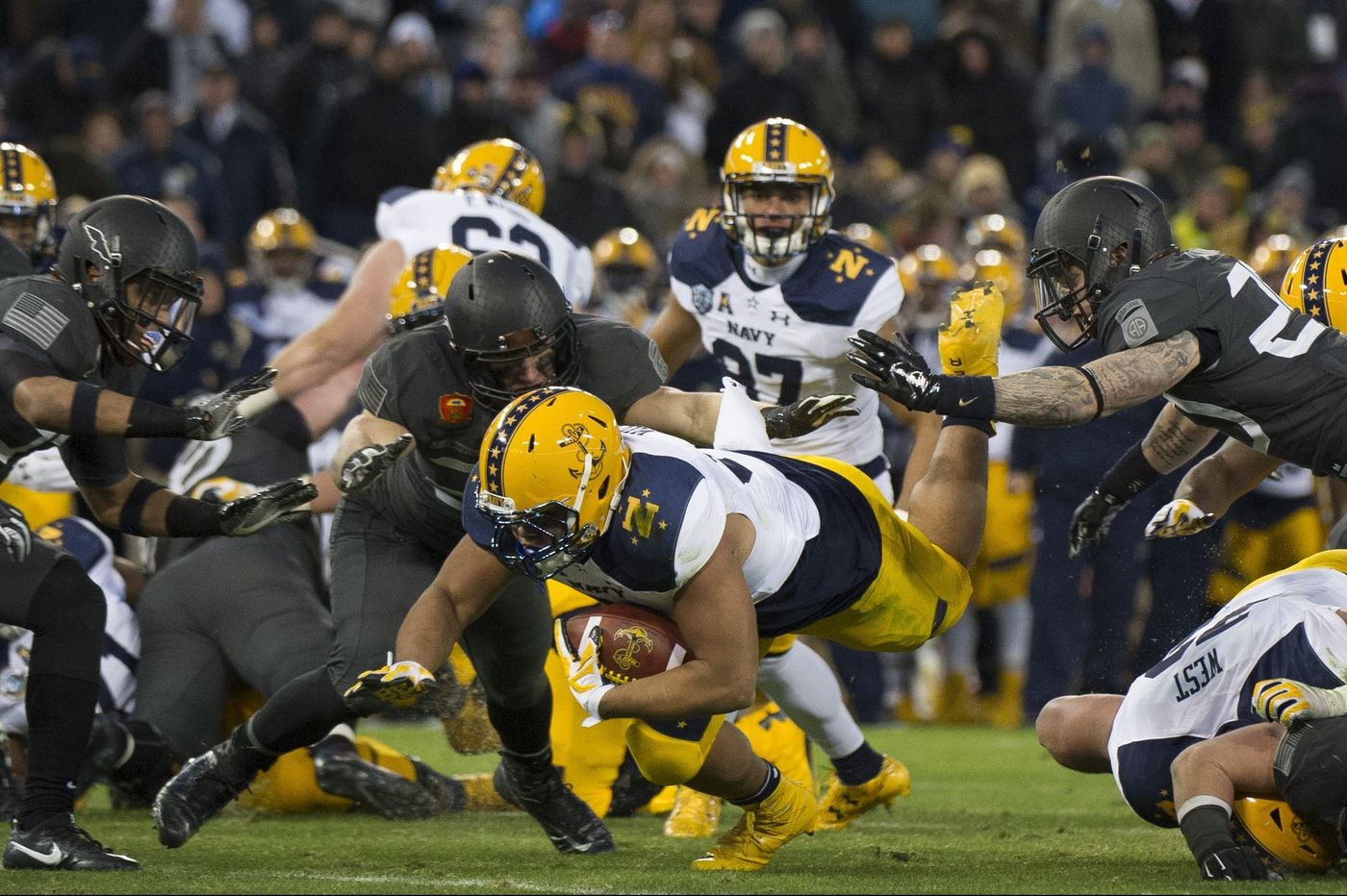 Army-Navy rivalry puts two coaches' friendship to the test