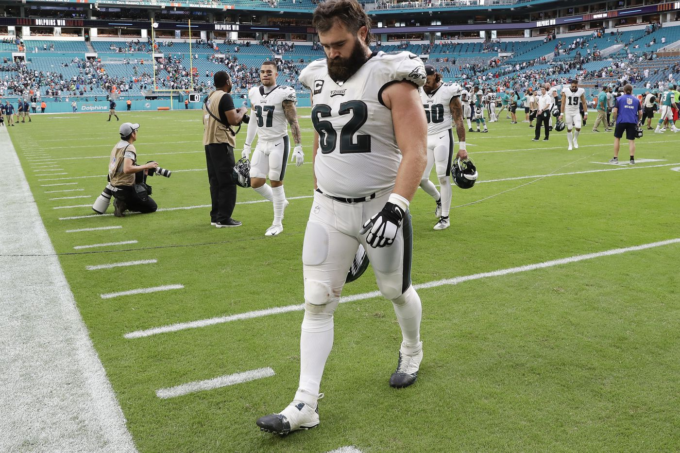 Jason Kelce says Eagles leaders need to be accountable by doing their jobs, and lifting up others
