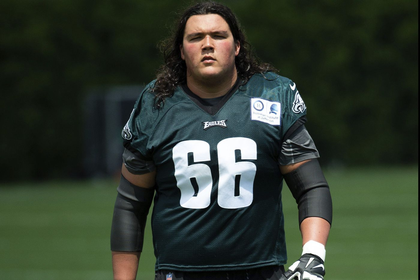 From Northwestern to Slippery Rock to Eagles, the journey of center Ian Park | Bob Ford