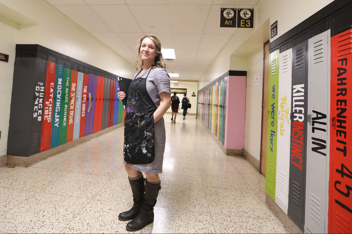 One outfit, 100 days. South Jersey teacher's mission