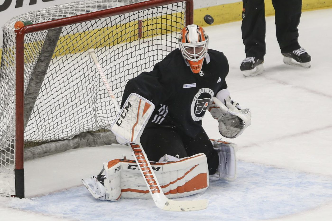 Brian Elliott likely to start Flyers-Penguins Game 2 despite 7-0 blowout loss