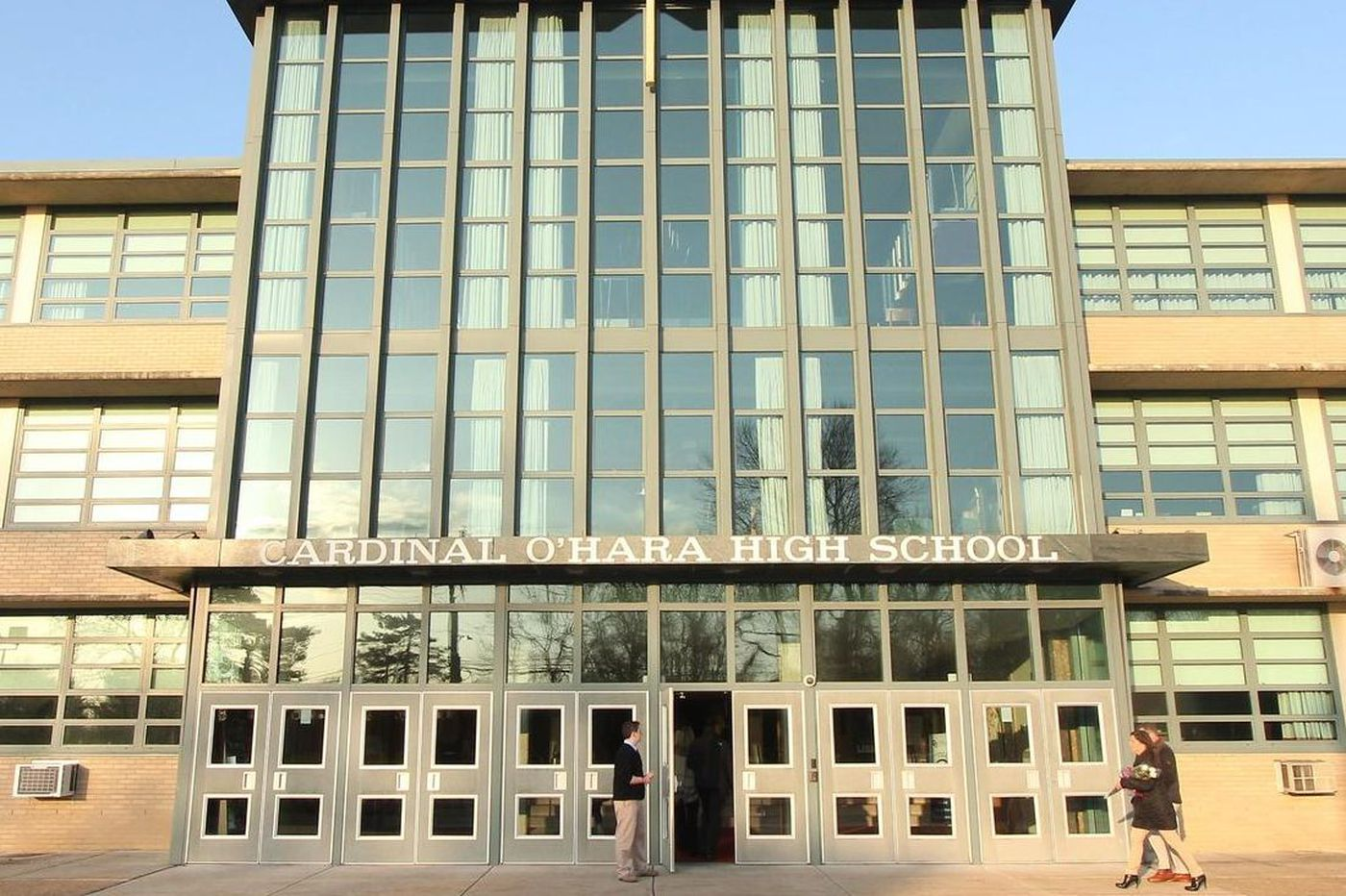 Philly Archdiocese, high school teachers negotiate down to the wire