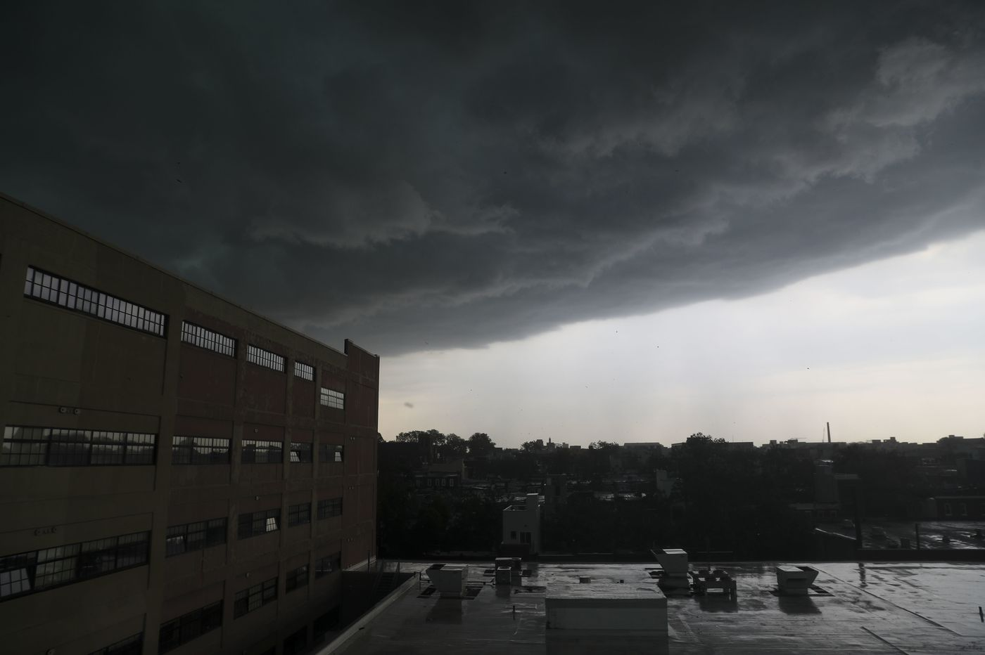 Philly severe storm prompts tornado warning; derecho kills at least 3 in suburbs