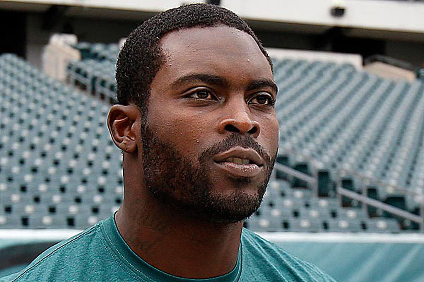 Vick comes full circle with Eagles: Back to third-team quarterback