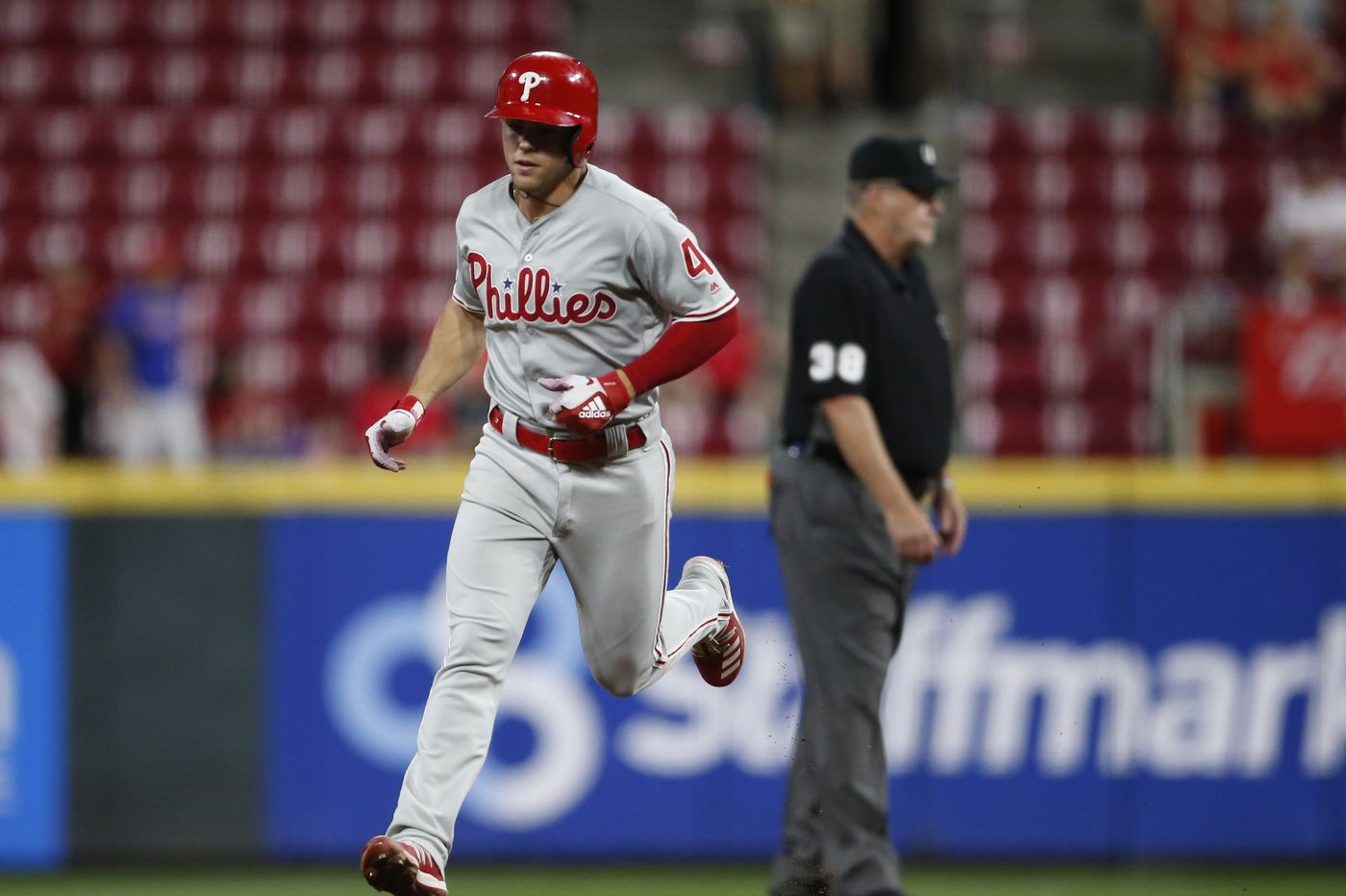 Bryce Harper collects 100th RBI as Phillies beat Reds, keep up in wild-card chase