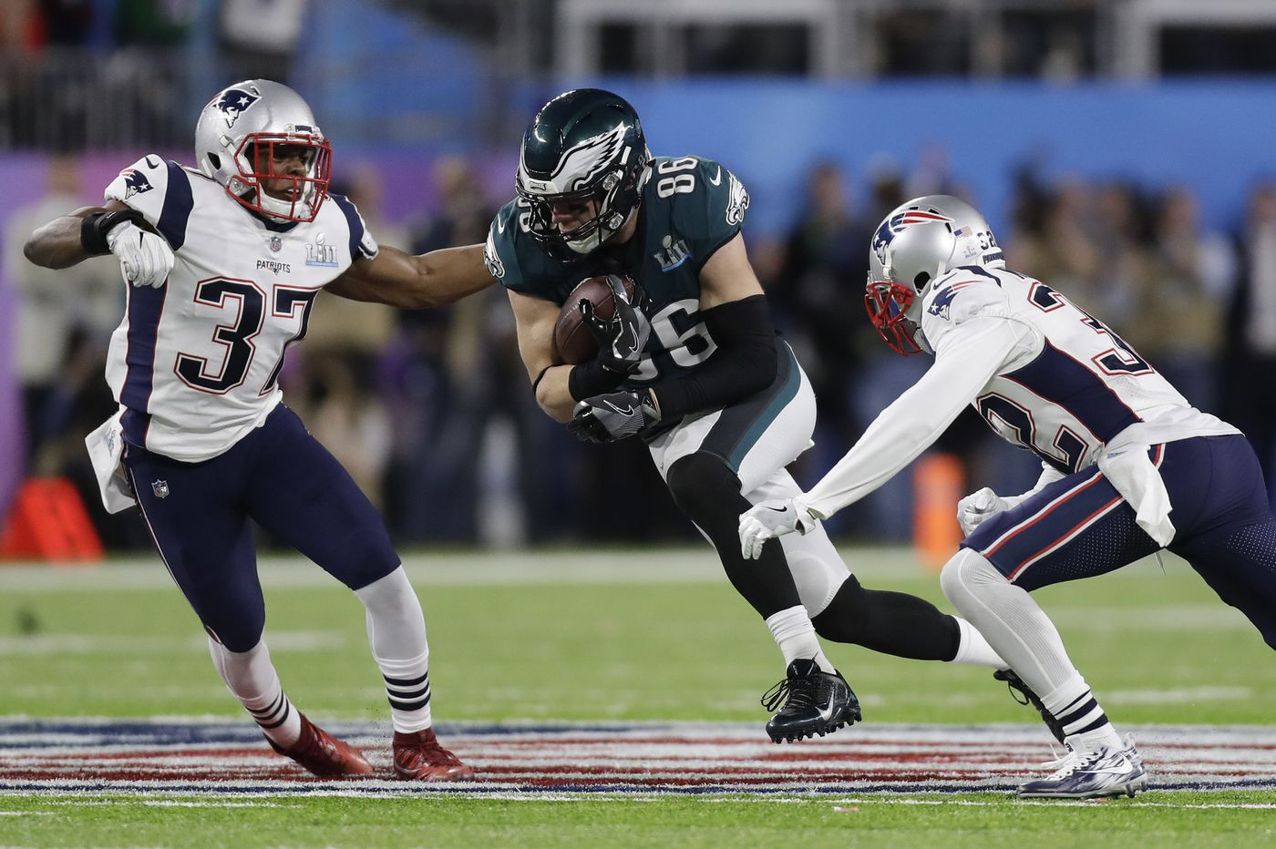 An Eagles-Patriots point spread just went up in New Jersey: Dig out the dog masks