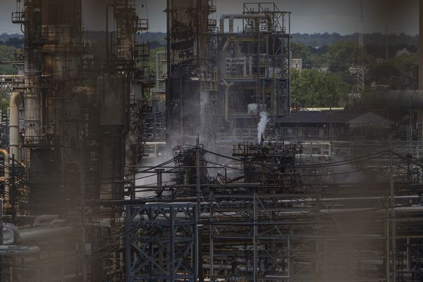 Refinery fire has been extinguished; investigation begins Monday