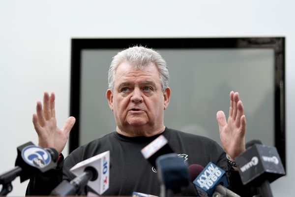 Despite advisers' convictions, Bob Brady retains grip on Philly Democratic Party