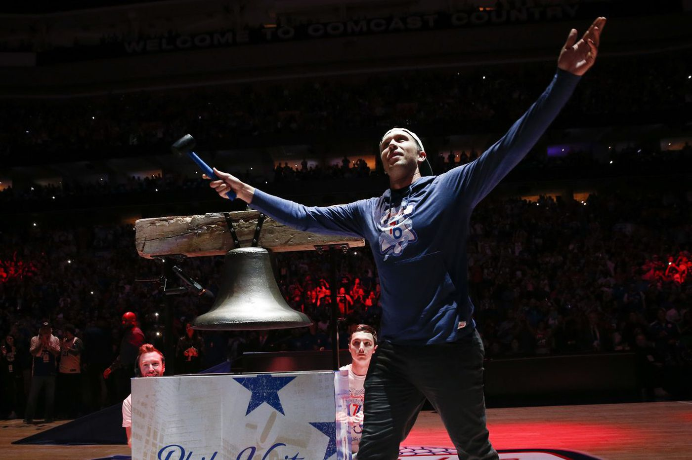 Watch: Super Bowl MVP Nick Foles rings the bell before Game 3