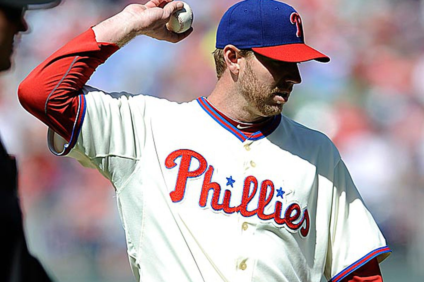 Roy Halladay lands on DL, heads to LA to find out what's wrong