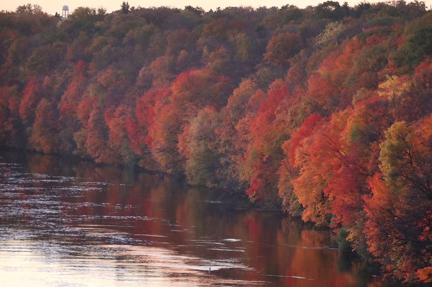 Rains, warmth threaten autumn colors, but fall won't be a 'washout'