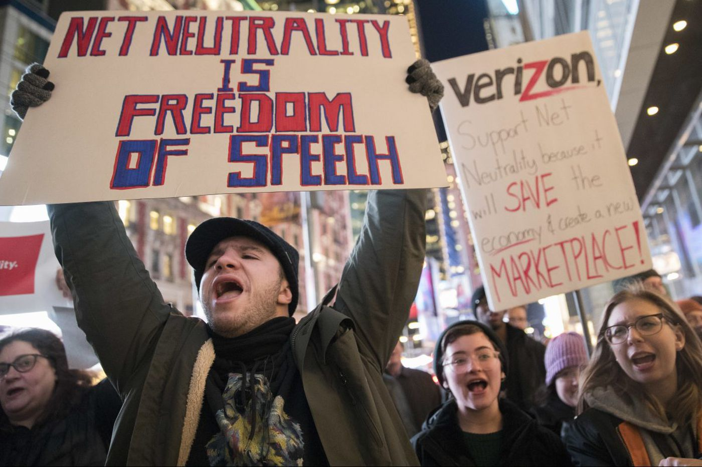 FCC scraps net neutrality, replacing it with 'light touch' regulation