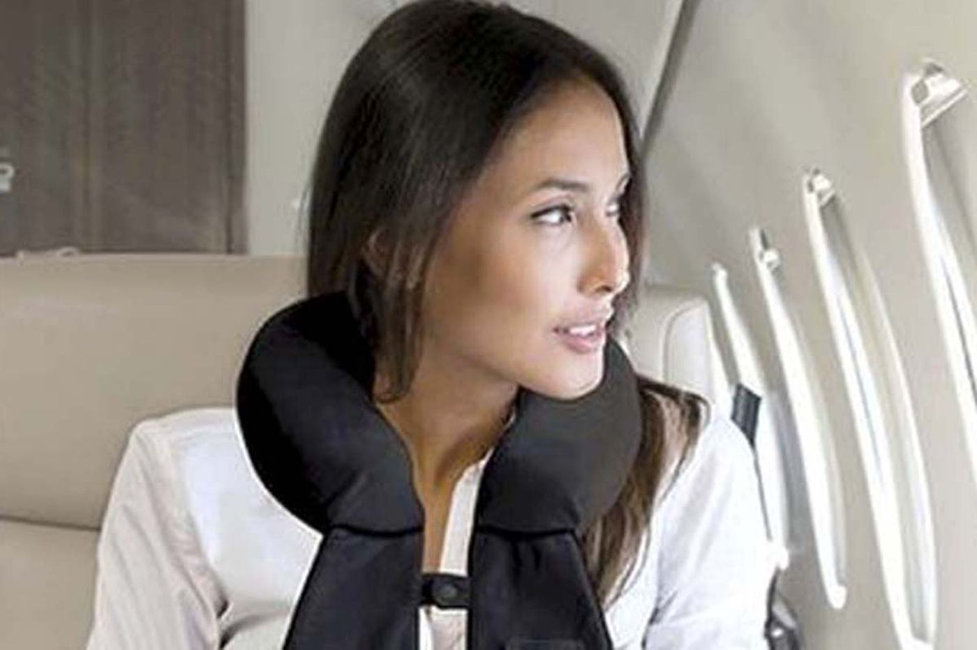 A well-organized airline-seat pillow