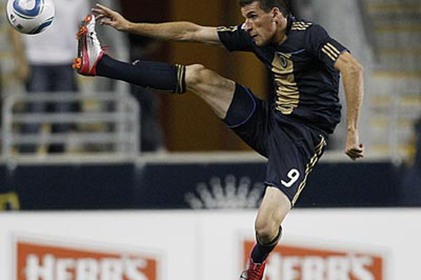 When will Union's Le Toux score from open play?