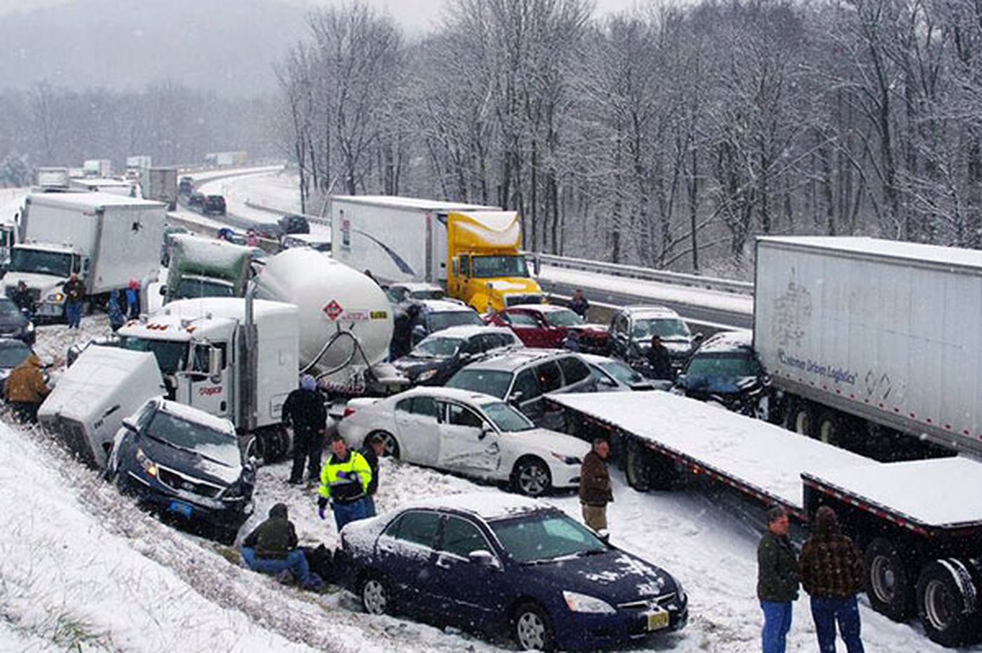 Snow moves through eastern Pennsylvania; crashes snarl highways