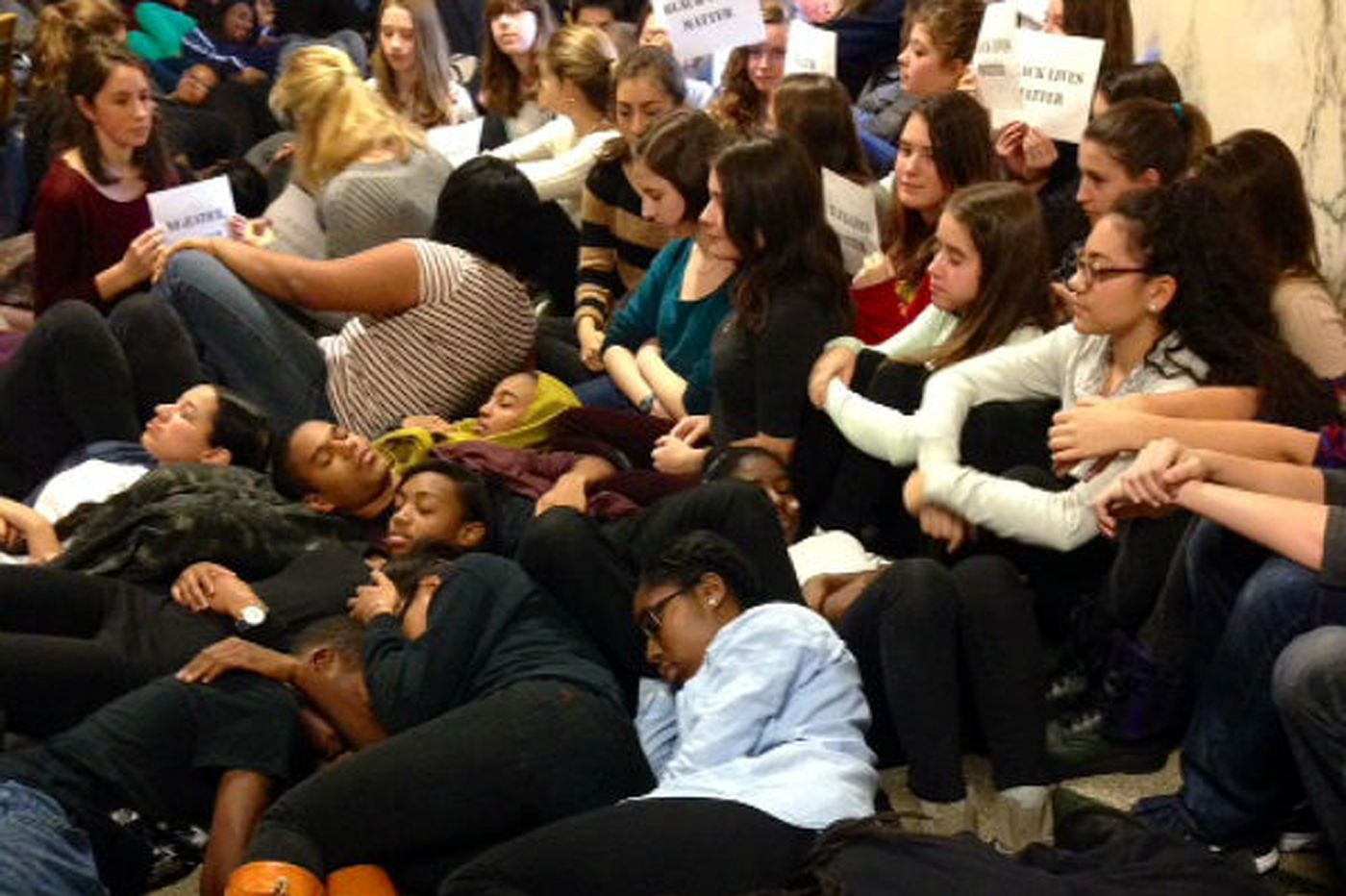 Students stage die-ins to protest Ferguson, New York grand jury verdicts