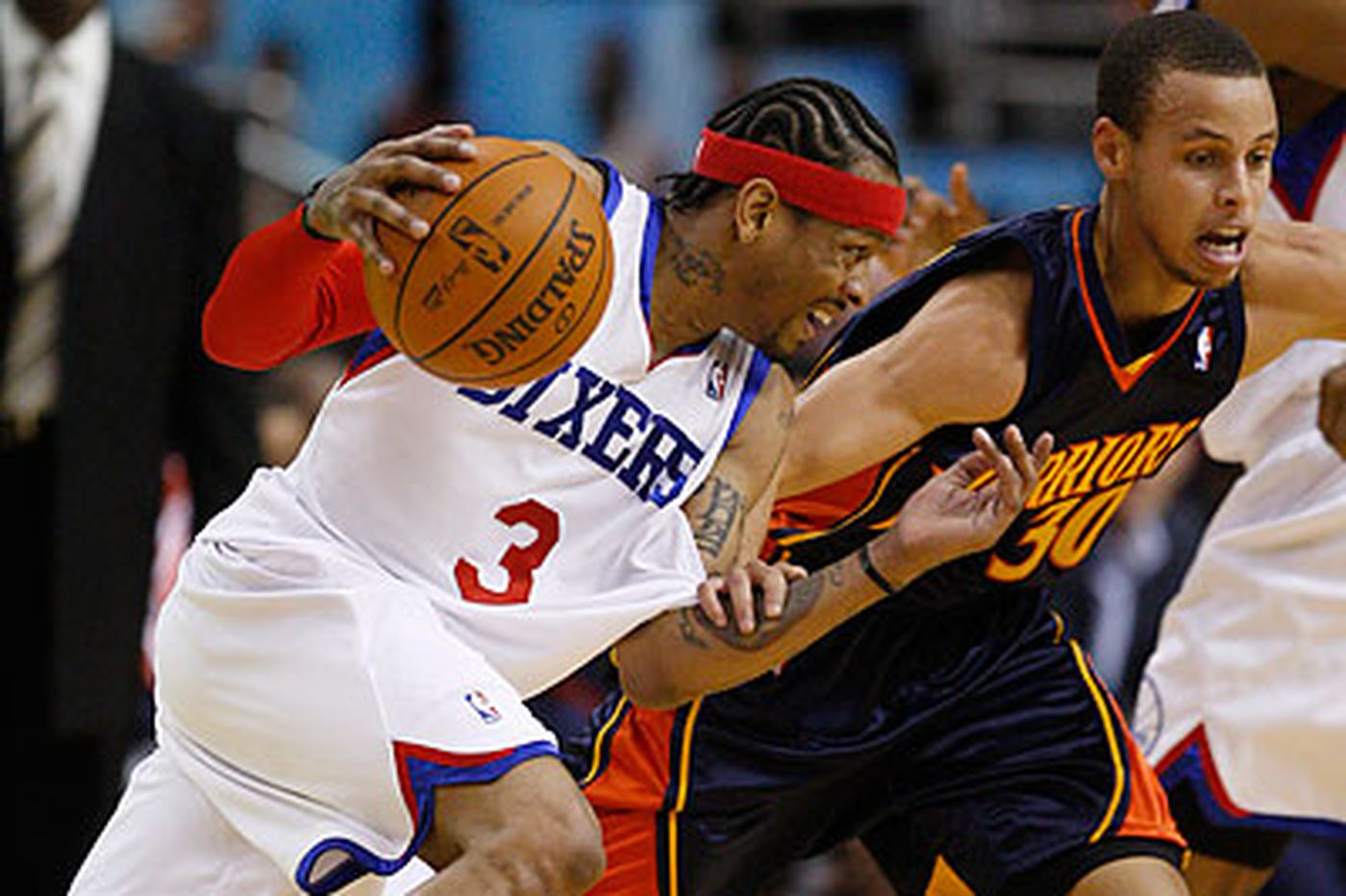76ers snap skid by beating Warriors