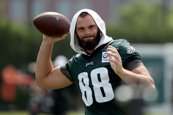 Is Eagles tight end Dallas Goedert better than Zach Ertz right now?   Bob Ford