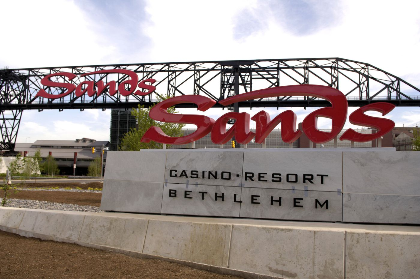 Court tosses out Pa. ban on political donations from casino interests