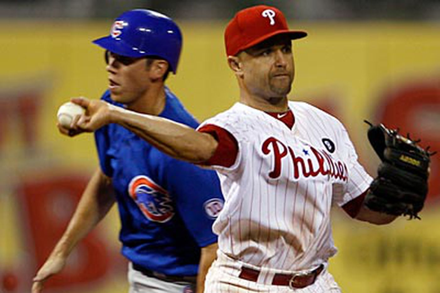Phillies fall to Cubs in 11