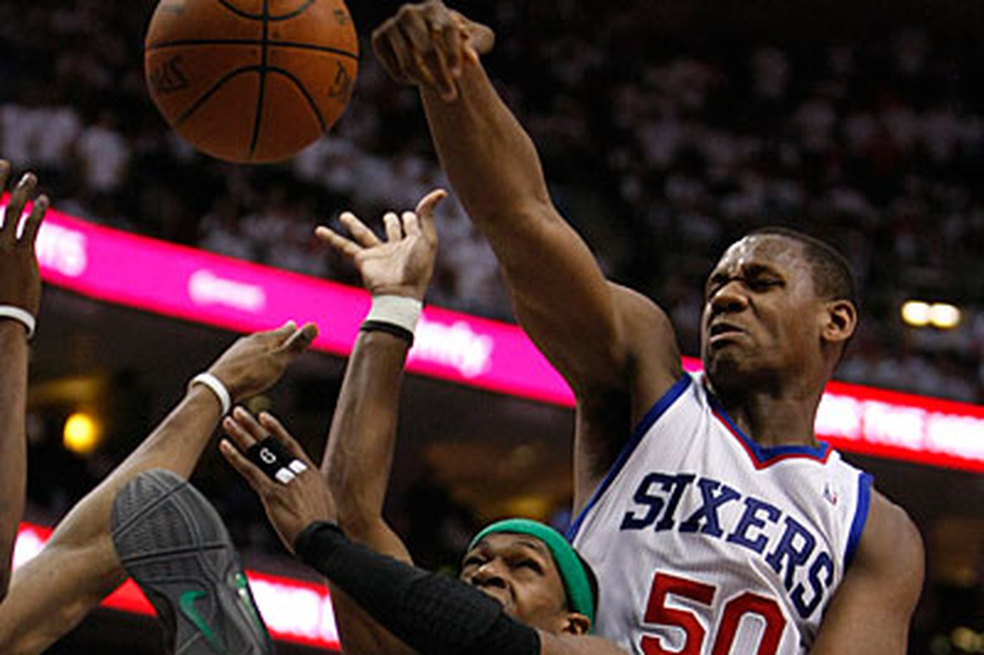 Sources: Sixers reach deal with forward Lavoy Allen