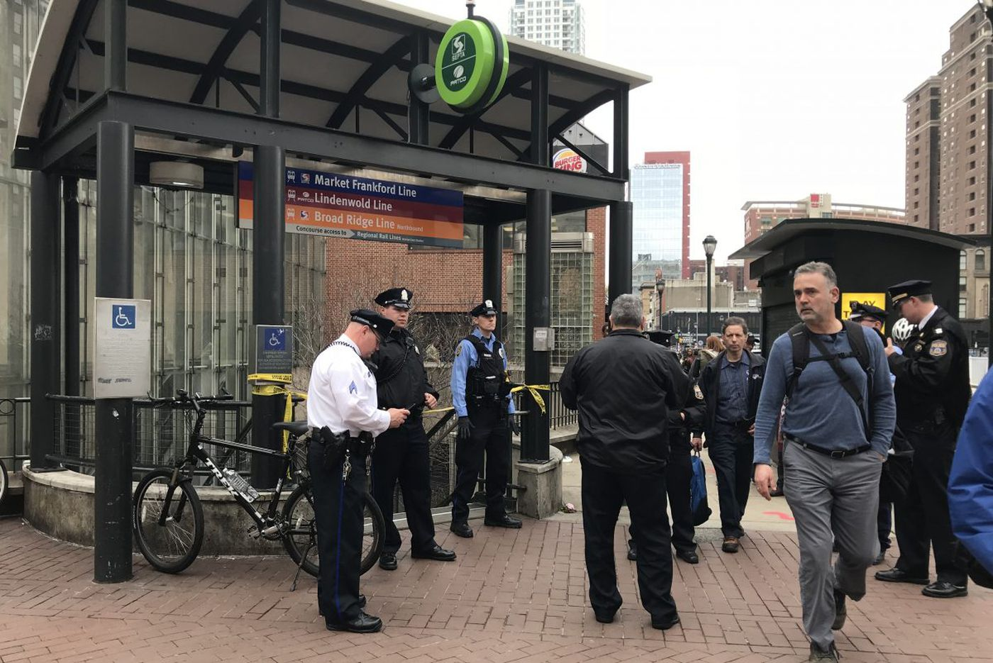 2 teens in critical condition after being stabbed at 8th and Market subway station