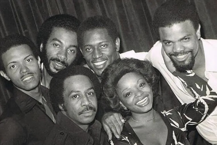 Sharon Paige with Harold Melvin (to her right) & the Blue Notes.