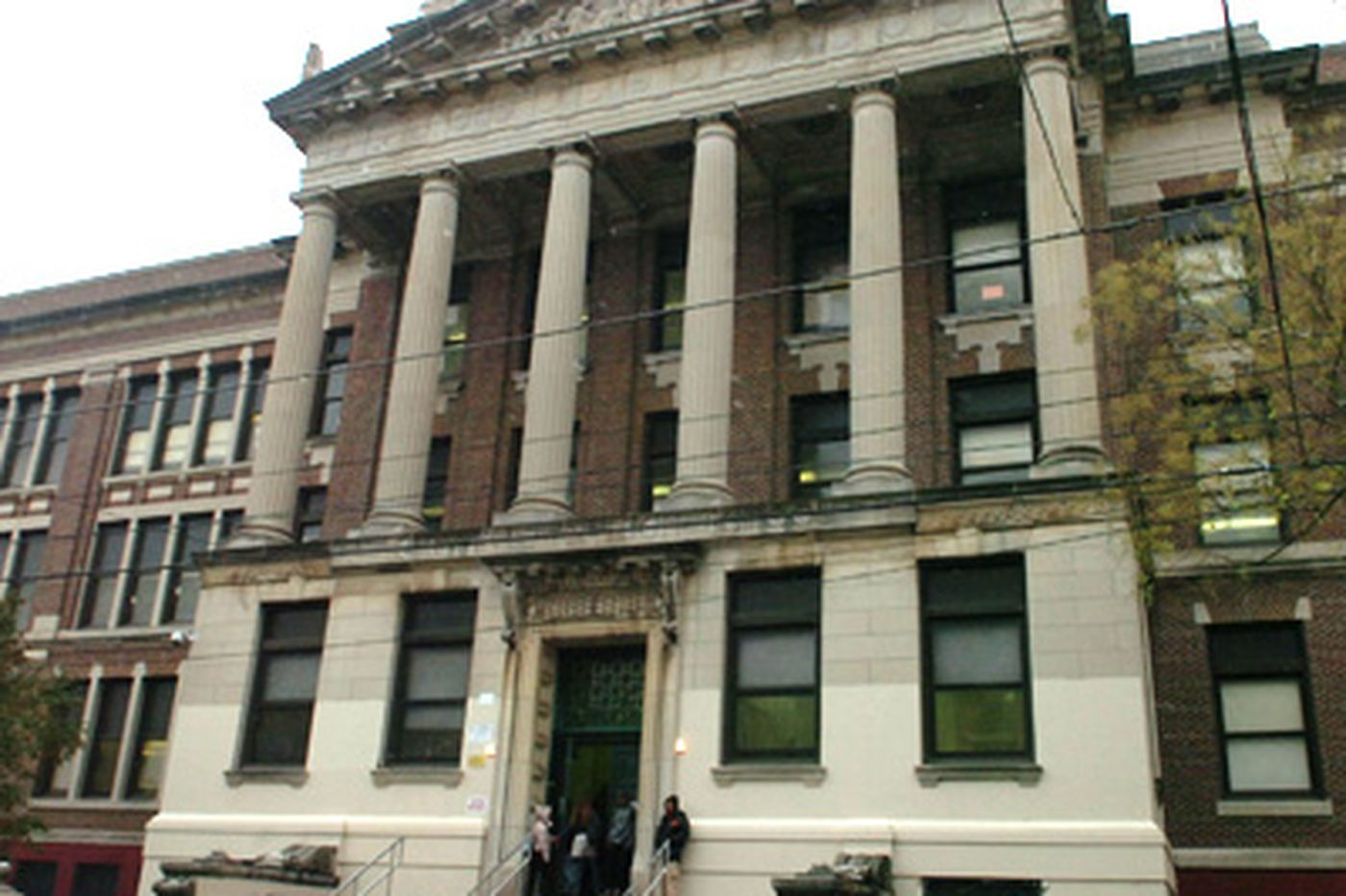 Crime lurks in little-used areas of Philadelphia schools