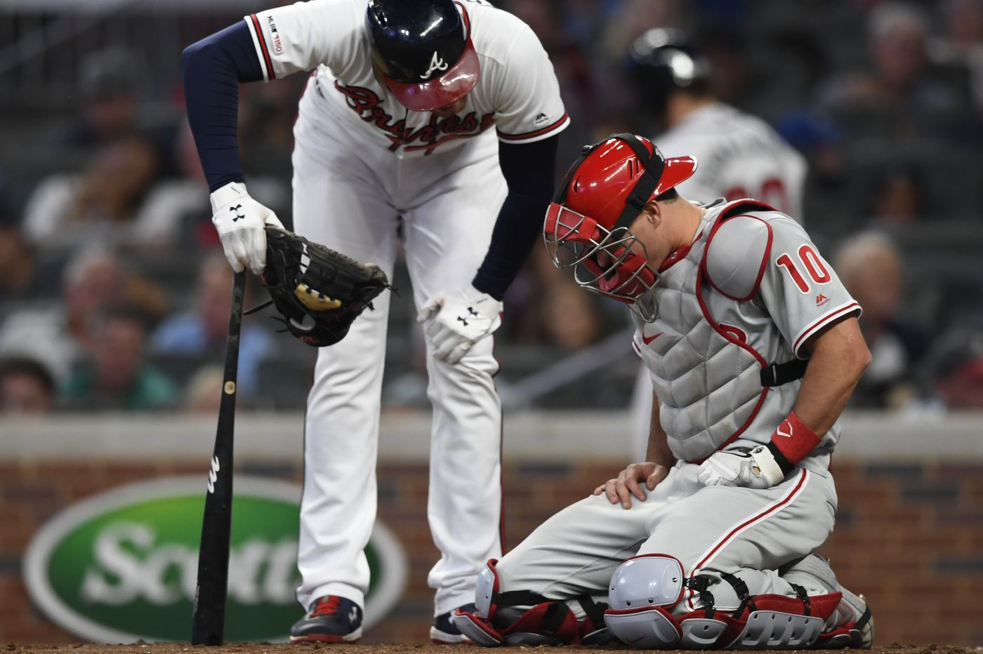 Jay Bruce, J.T. Realmuto both injured, out for series finale against Braves