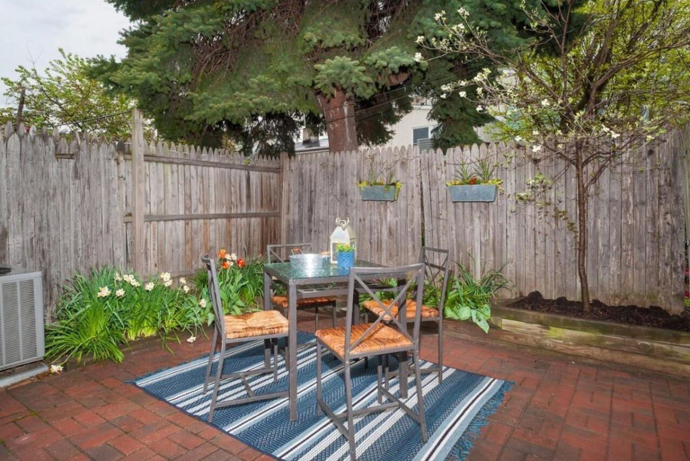 On the market: An older Fishtown starter home with 'some nice, modern touches'