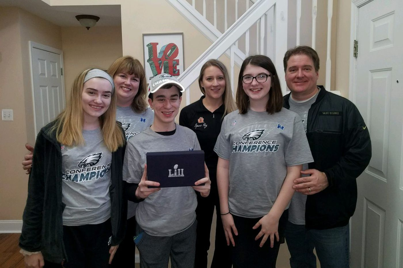 Anonymous Vikings fan donates Super Bowl tickets to young Eagles fan