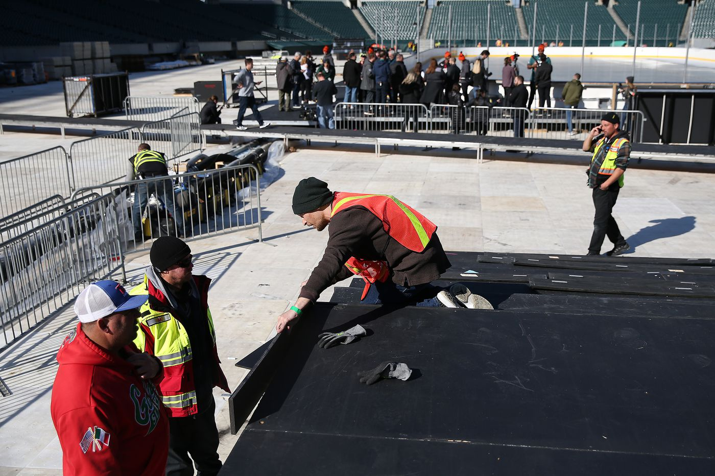 NBC ready to cover all bases in Flyers-Penguins Stadium Series game