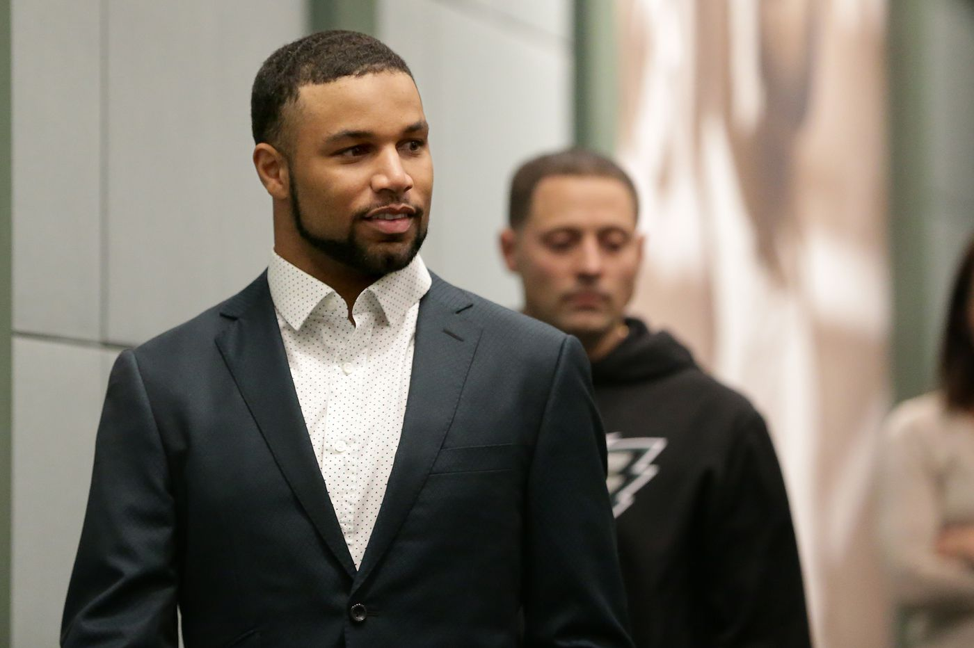 Golden Tate met Eagles fans on flight to Philadelphia, wants them to know he's 'all-in' and expects to play more than 8 games