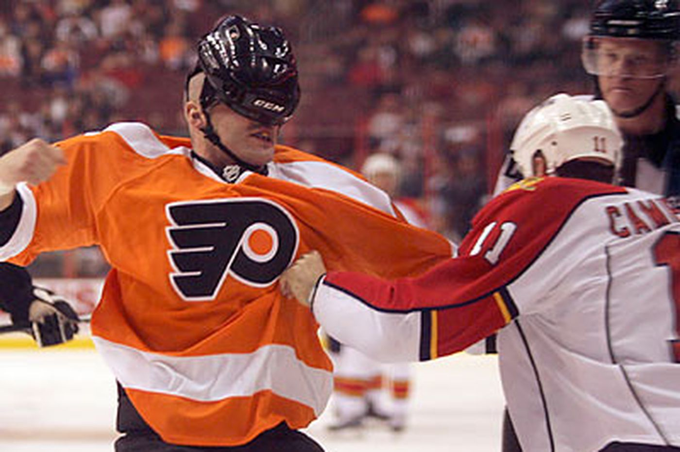 Scrums aside, Flyers still punchless in loss to Panthers