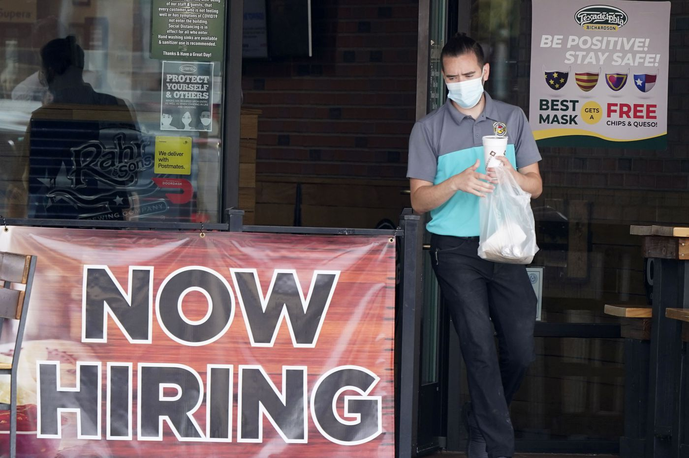 751,000 seek U.S. jobless benefits as COVID-19 hobbles economy