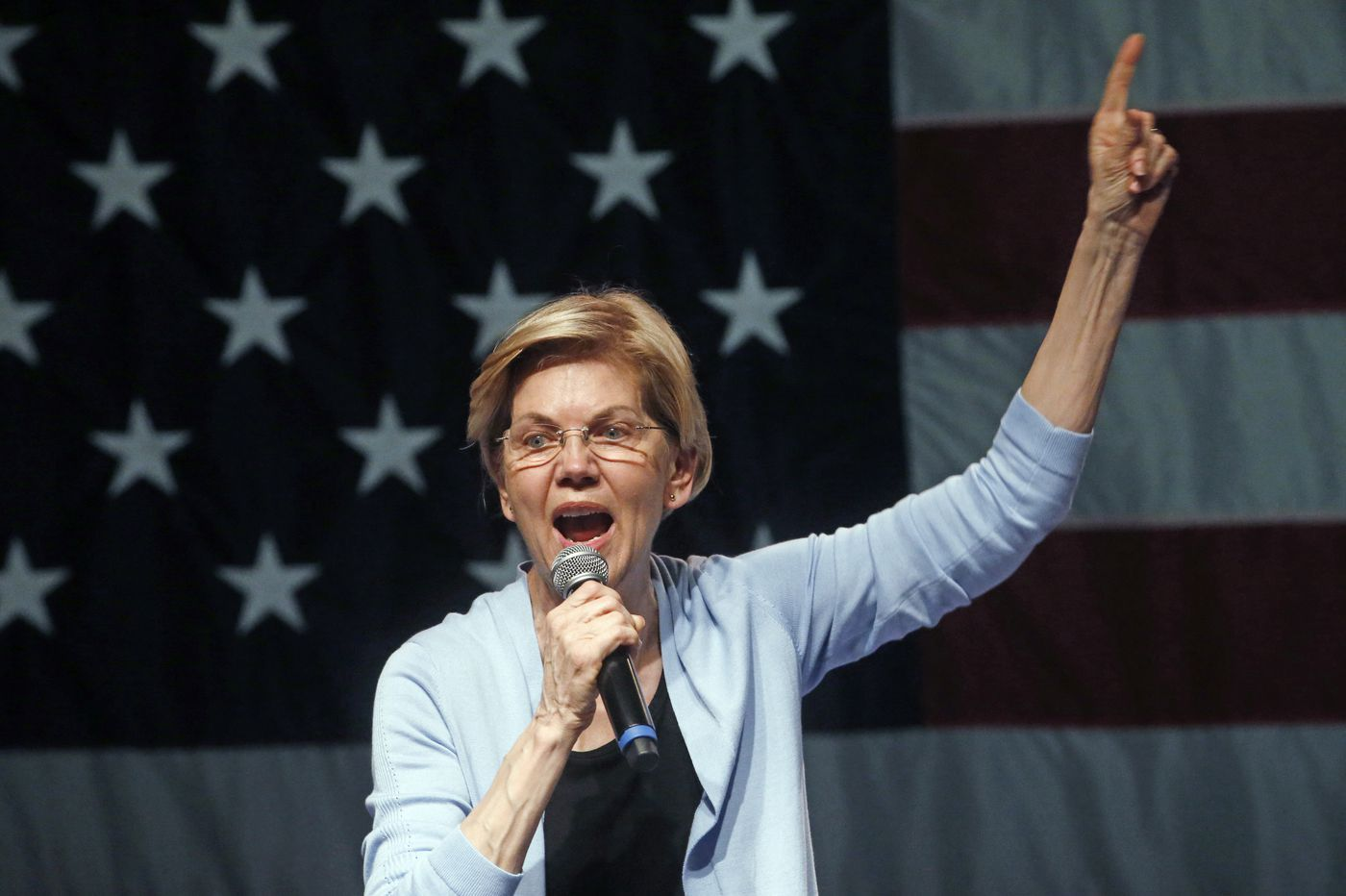 Elizabeth Warren wants Amazon broken up - but still shops there