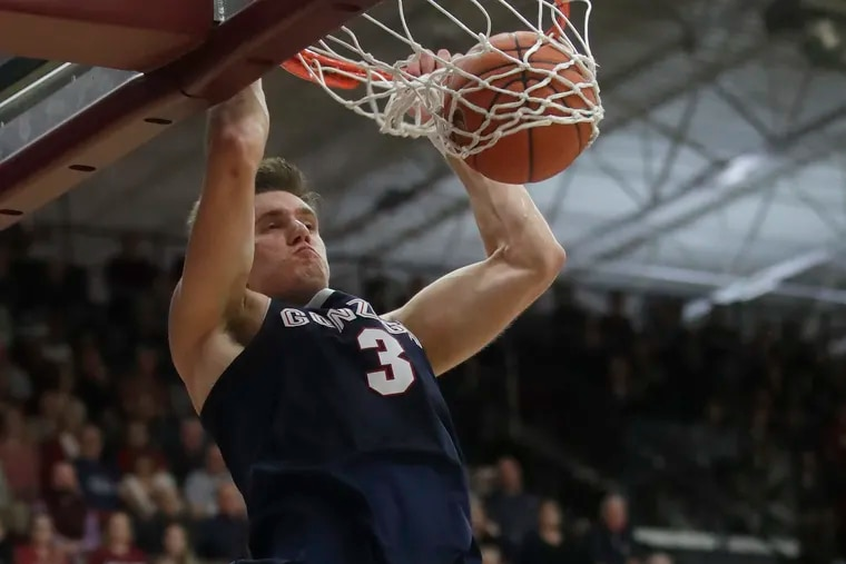 Gonzaga forward Petrušev dunks against Santa Clara during the second half of an NCAA college basketball game in Santa Clara, Calif., Thursday, Jan. 30, 2020.