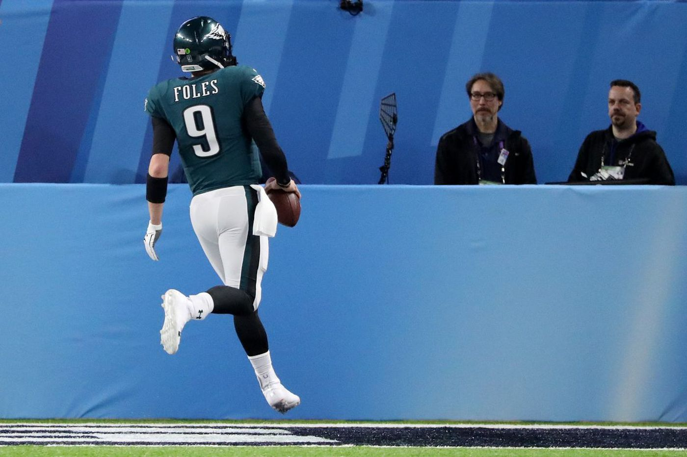 Video: Eagles' Super Bowl trick play ends with Nick Foles catching a touchdown