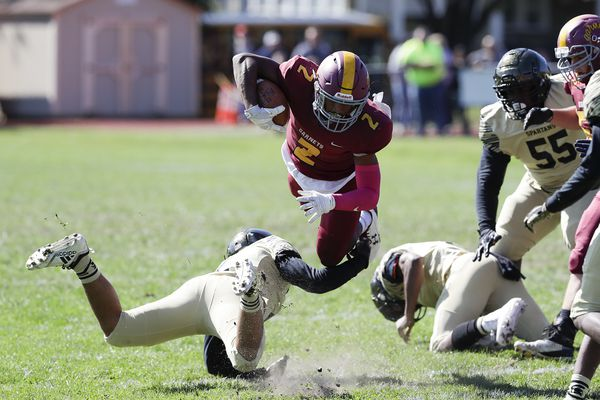 Haddon Heights overcomes mistakes to outlast Deptford, 20-12