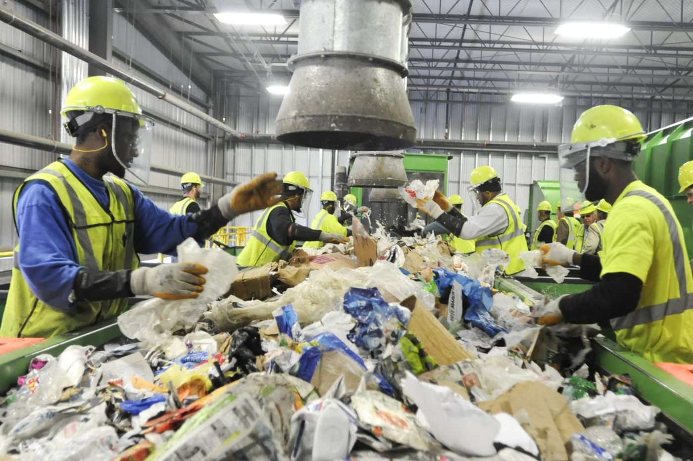Philly businesses aren't recycling, and the city could be losing out on millions